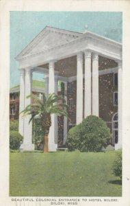 BILOXI, Mississippi, 1944 ; Colonial Entrance to Hotel Biloxi