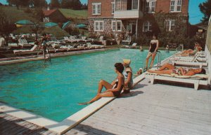 STE. AGATHE DES MONTS , Quebec , 50-60s ; The Manor House , Swimming Pool