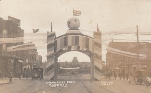 RP: MOOSE JAW , Sask. , Canada , 00-10s ; Main Street, Coronation Arch