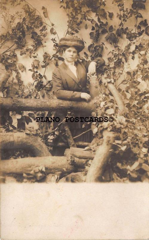 PORTLAND, OREGON MAZEOGRAPH GALLERY PORTRAIT OF LADY  RPPC REAL PHOTO POSTCARD