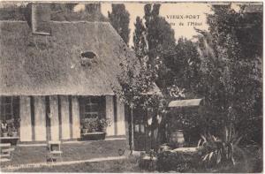 France, VIEUX-PORT, Puits de l´Hotel, used Postcard