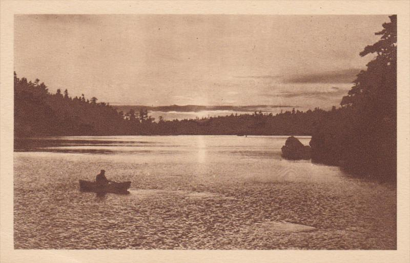 Missions, Man On A Boat, Coucher De Soleil, Ontario, Canada, 1910-1920s