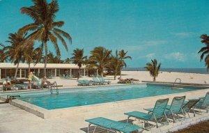 ISLAMORADA , Florida , 1986 ; The Islander Resort, Swimming Pool