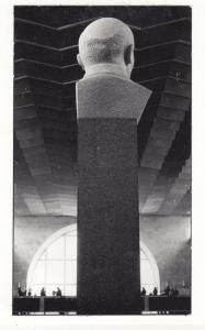 Giant Head Monument In Leningrad Train Station Russia RPC Museum Photo Postcard