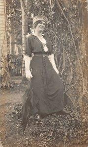 F55/ Hawaii RPPC Postcard c1910 Woman Well-Dressed Umbrella 5