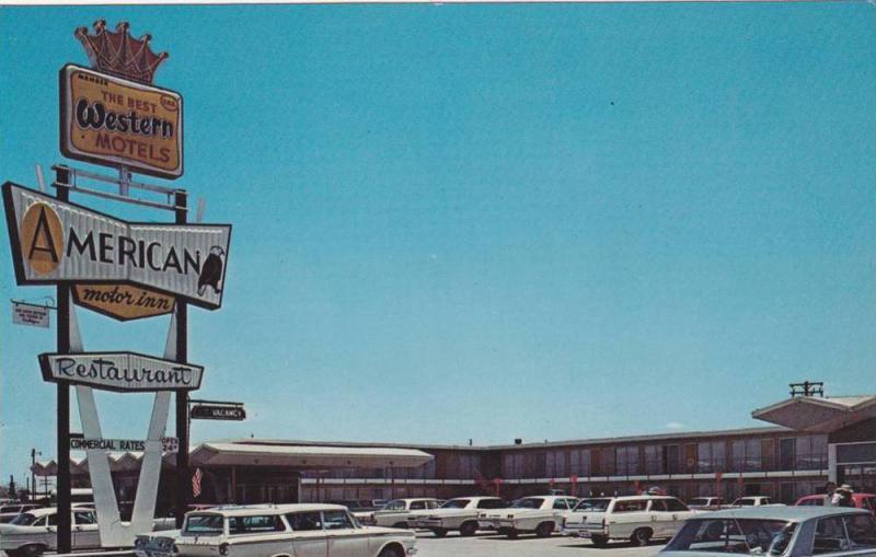 Classic Cars Outside American Motor Inn and Restaurant, Pecos, Texas, 40-60´s