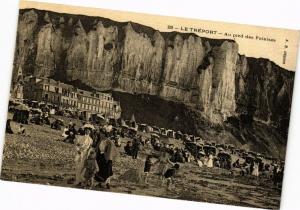 CPA Le TRÉPORT-Au pied des Falaises (234935)