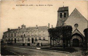 CPA FAVIERES - La Mairie et l'Église (292607)