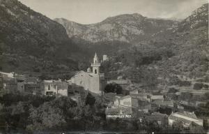 spain, MALLORCA VALLDEMOSA, Partial View with Church (1930s) Truyol RPPC