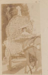 RP: NICE , France , 00-10s ; Woman in a parade Float