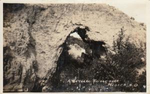 RP: MEDORA , North Dakota , 1910s ; Natural Arch