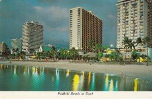 WAIKIKI BEACH , Hawaii , PU-1978 ; Waikiki Beach at Dusk
