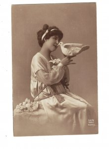 HI1030 WOMAN GREEK DRESS KISSING PIGEON REAL PHOTOCARD
