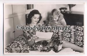 b2794 - Film Actress - Margaret Lockwood with her daughter Julie - postcard