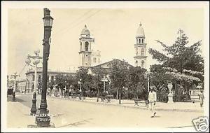 mexico, TAMPICO, Piaza de Armas (ca. 1940) RPPC