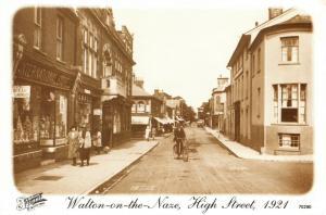 Vintage 1921 Reproduction Postcard, Walton On the Naze, High Street, Essex 56U