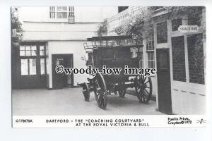 pp2275 - Dartford - Coaching Courtyard Royal Victoria & Bull - Pamlin postcard