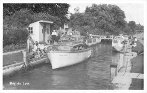 uk33105 shiplake lock real photo  uk