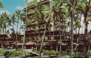 HONOLULU , Hawaii , PU-1969 ;  Hawaiian Village at Waikiki Beach