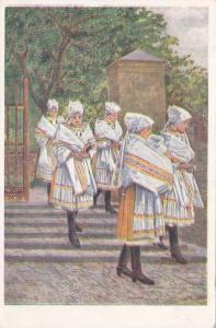 Women in traditional costume, PU-1910