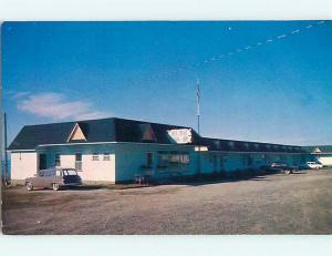 Pre-1980 OLD CARS & ETOILE D'OR MOTEL GASPE - GASPE-NORD Quebec PQ CANADA r0313