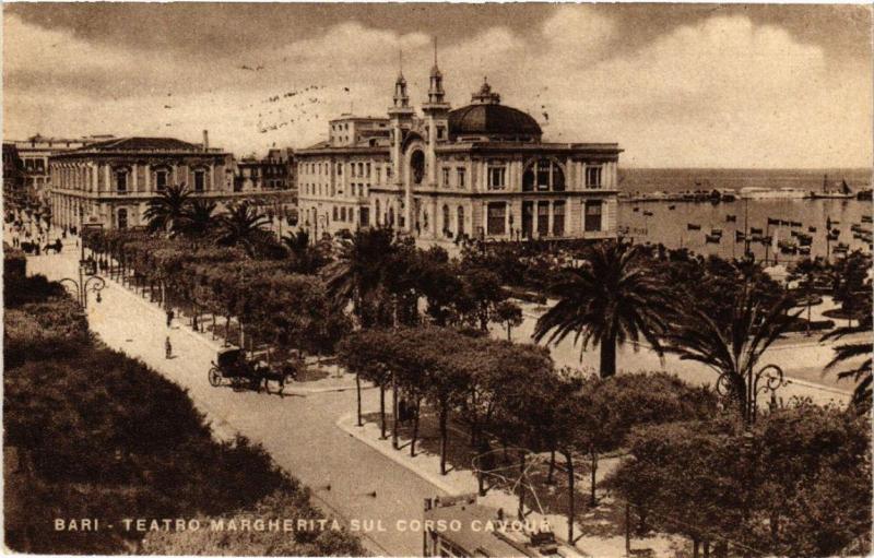 CPA AK BARI Teatro Margherita sul Corso Cavour. ITALY (531657)