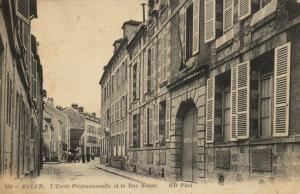CPA MELUN L'École Professionnelle et la Rue Neuve (120163)