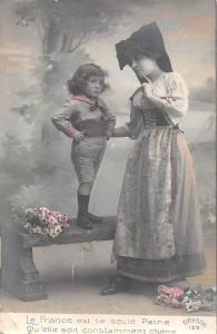 La France est ta seule Patrie, Qu'elle soit... costumes, folk 1912