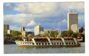 Enjoy your visit to Winnipeg with a criuse on the historic Red River, on MS R...
