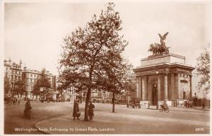 B85554 wellington arch entrance to green park  london uk