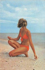 Shelling Beach Bikini Pin-Up Girl Bathing Beauty 1973 Florida Vintage Postcard