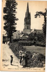 CPA  Ploare (Finistére) - Abside de l'Eglise vue de l'Allée de la Sainte(206452)