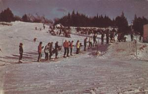 Skiing , Waiting for a tow , JOLIETTE , Quebec , Canada , PU-1988
