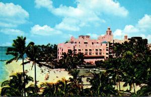 Hawaii Waikiki Beach Royal Hawaiian Hotel 1967
