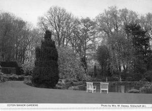 B100637 coton manor gardens    uk