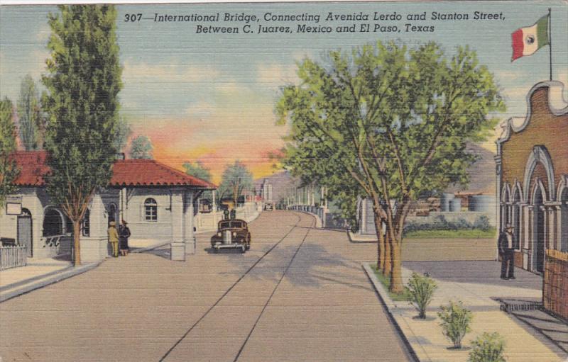 EL PASO , Texas , 30-40s ;  International Bridge