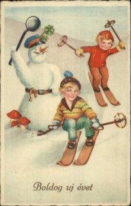 Children Skiing Snowman Traffic Cop Police BOLDOG UJ EVET New Year Postcard