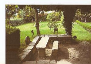 Postal 022675 : Mesa donde meditaba Rosalia, museo de Rosalia