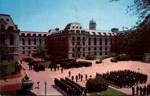 Maryland Annapolis Bancroft Hall Midshipmen In Formation U S Naval Academy