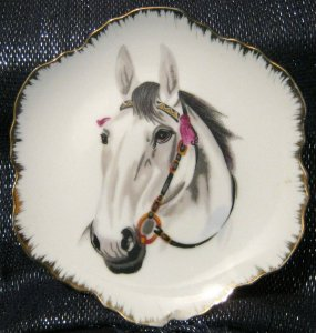 Pretty decorative Plate from korea with a horse portrait image approx 6ins wide