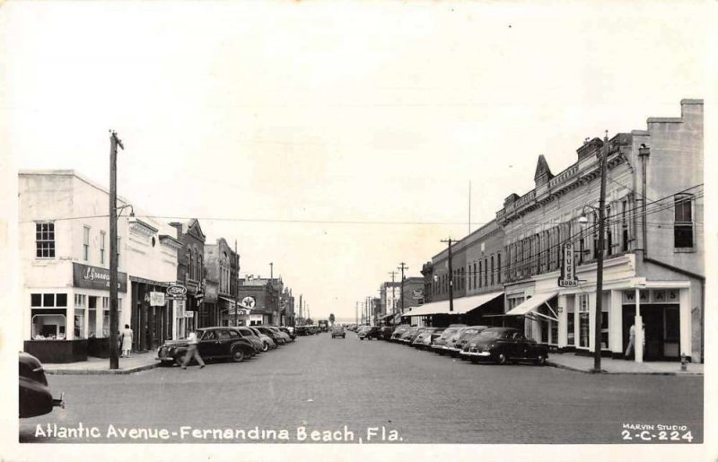 Fernandina Beach Florida Atlantic Avenue Ford Texaco Real photo PC JI657860
