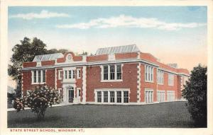 19595 VT  Windsor, State Street School