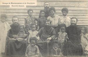 Groupe de Missionnaires et de Neophytes Nouvelle-Guinee New Guinea missionary