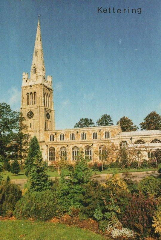Northamptonshire Postcard - Kettering - Church of St Peter and St Paul RRR413
