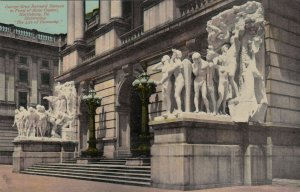HARRISBURG , Pennsylvania, 1914 ; Barnard Statues, State Capitol Entrance