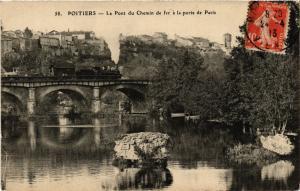 CPA POITIERS - Le Pont du Chemin de fer a la porte de Paris (255742)