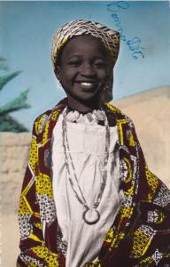 RP: TCHAD ; la petit fille du Sultan de Binder , 30s