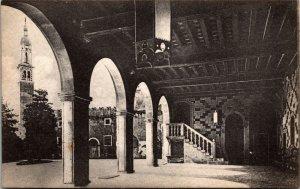 Thiene. Atrio Castello Colleoni. E. Gasparini VINTAGE ITALY - postcard