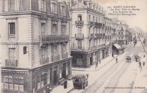 France Saint-Nazaire La Rue Ville-es-Martin a la hauteur de l'Hotel des Messa...