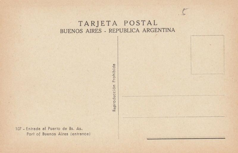 BUENOS AIRES, Argentina, 00-10s ; Ocean Liner Entering Port